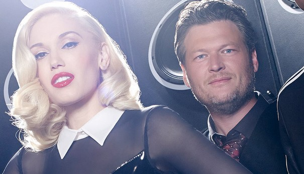 Blake Shelton and Gwen Stefani flirt publicly on The Voice 1