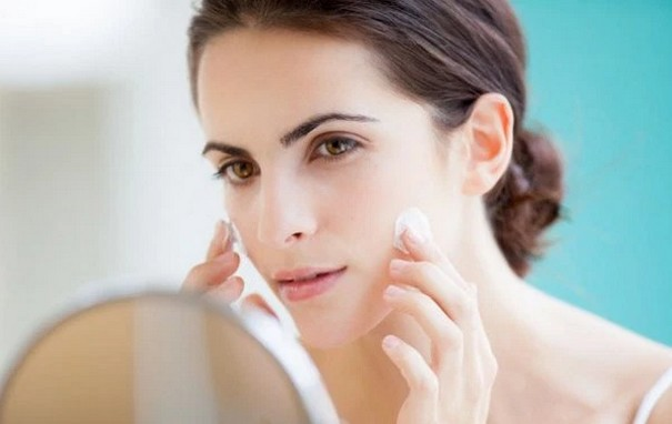 Women skin care in their 30s
