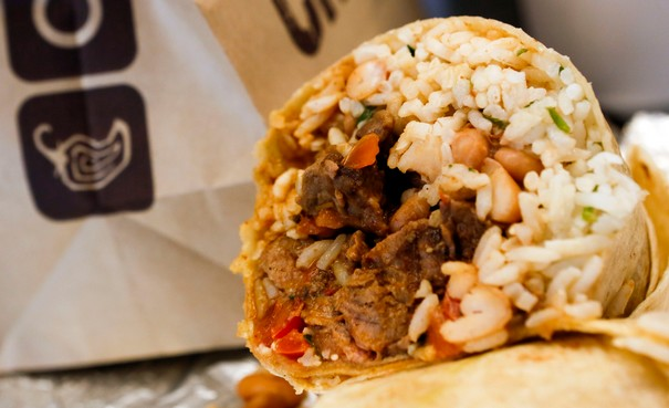 Chipotle accuses sick employees for last year's norovirus outbreaks