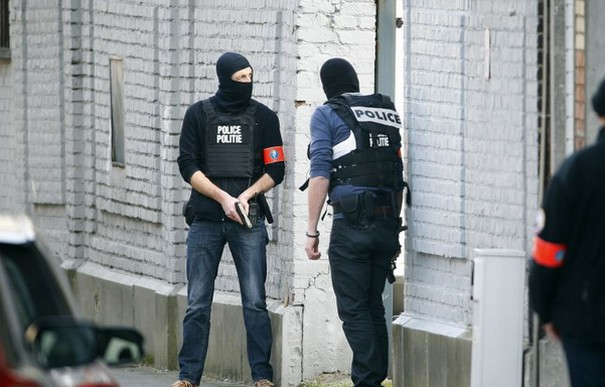 ISIS Flag Found in Raids Carried Out After Brussels Attacks