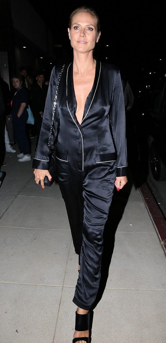 Heidi Klum Risks Wardrobe Malfunction at Art Event