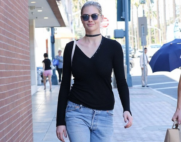 Kate Upton flaunts her incredible figure in Beverly Hills